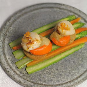 Ginger Scallops with Hazelnut Shortbread