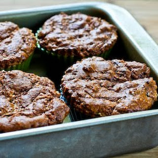 Low-Sugar and Flourless Zucchini Muffins with Pecans (Gluten-Free).
