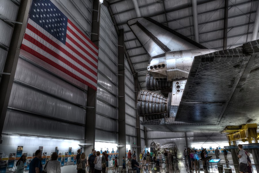 Space Shuttle Endeavour by David Hammond - Digital Art Things ( flag, dgital, people )
