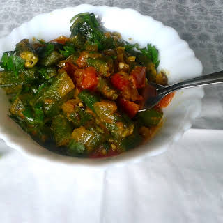 Punjabi Bhindi Masala Recipe – Sautéed Okra with Onions, Tomatoes and Spices.